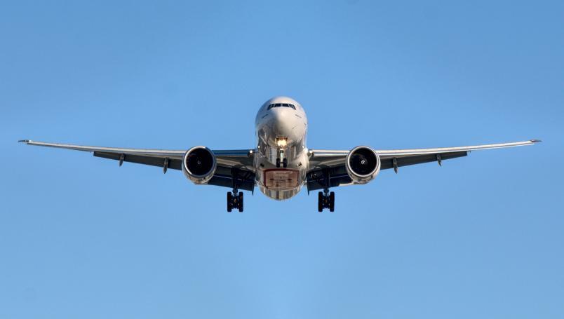 Muere durante vuelo en Estados Unidos por coronavirus
