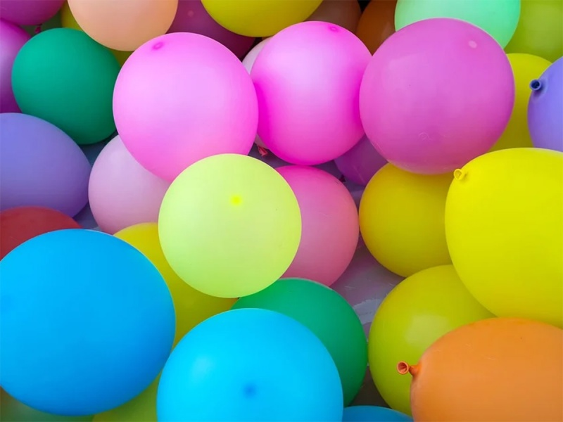 Novio llega a fiesta de cumpleaños y dispara contra invitados; mueren 7